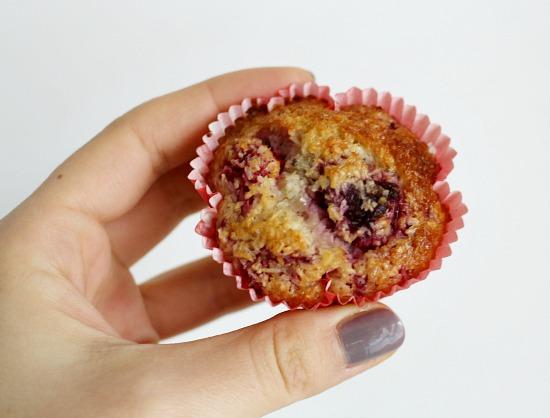 malinove muffiny z kokosove mouky_3