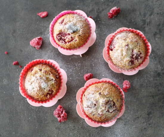 malinove muffiny z kokosove mouky_5