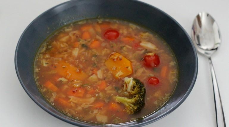 zeleninova polevka s quinoou_nahled