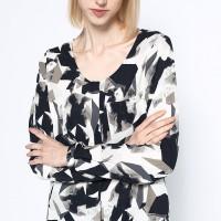 Košile s geometrickým vzorem