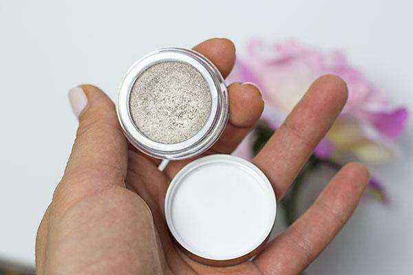 Ombre Iridescente odstín 04 Silver Ivory