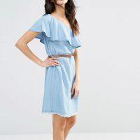 Šaty s volánem na jedno rameno