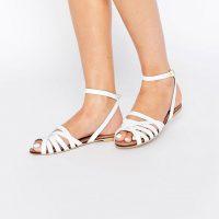 Bílé sandálky