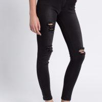 Černé potrhané skinny džíny