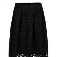 Černá krajková sukně