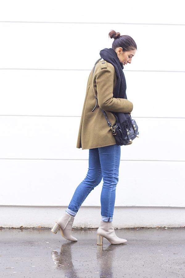 khaki_outfit_3