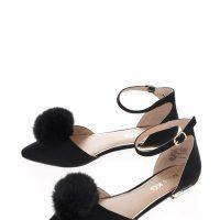 Černé sandálky v semišové úpravě