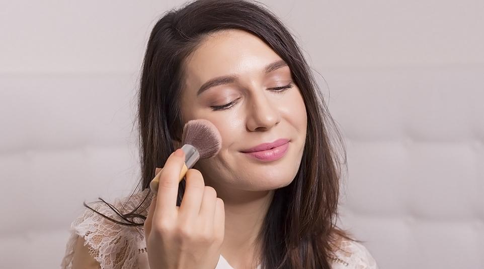 Moje líčení (i odličování) s přírodní kosmetikou Annabelle Minerals