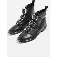 Kotníčkové boty s přezkami