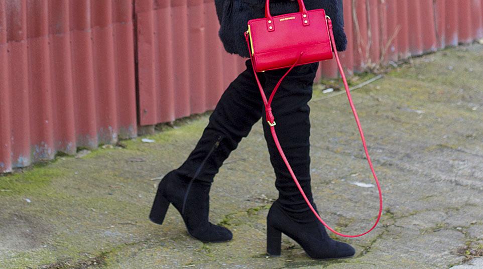 d80ddd26a7c Outfit  Zase ta červená!